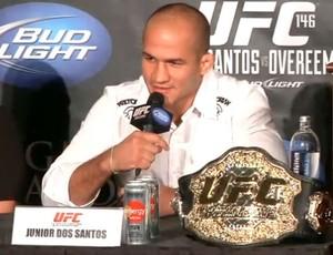 Junior cigano dos santos em coletiva de imprensa para o UFC 146