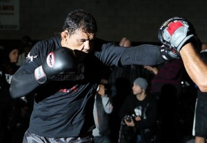 Rodrigo-Minotauro-muay-thai-UFC-MMA-GRACIEMAG-Josh-Hedges1